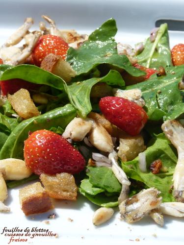 grenouilles et fraises en salade