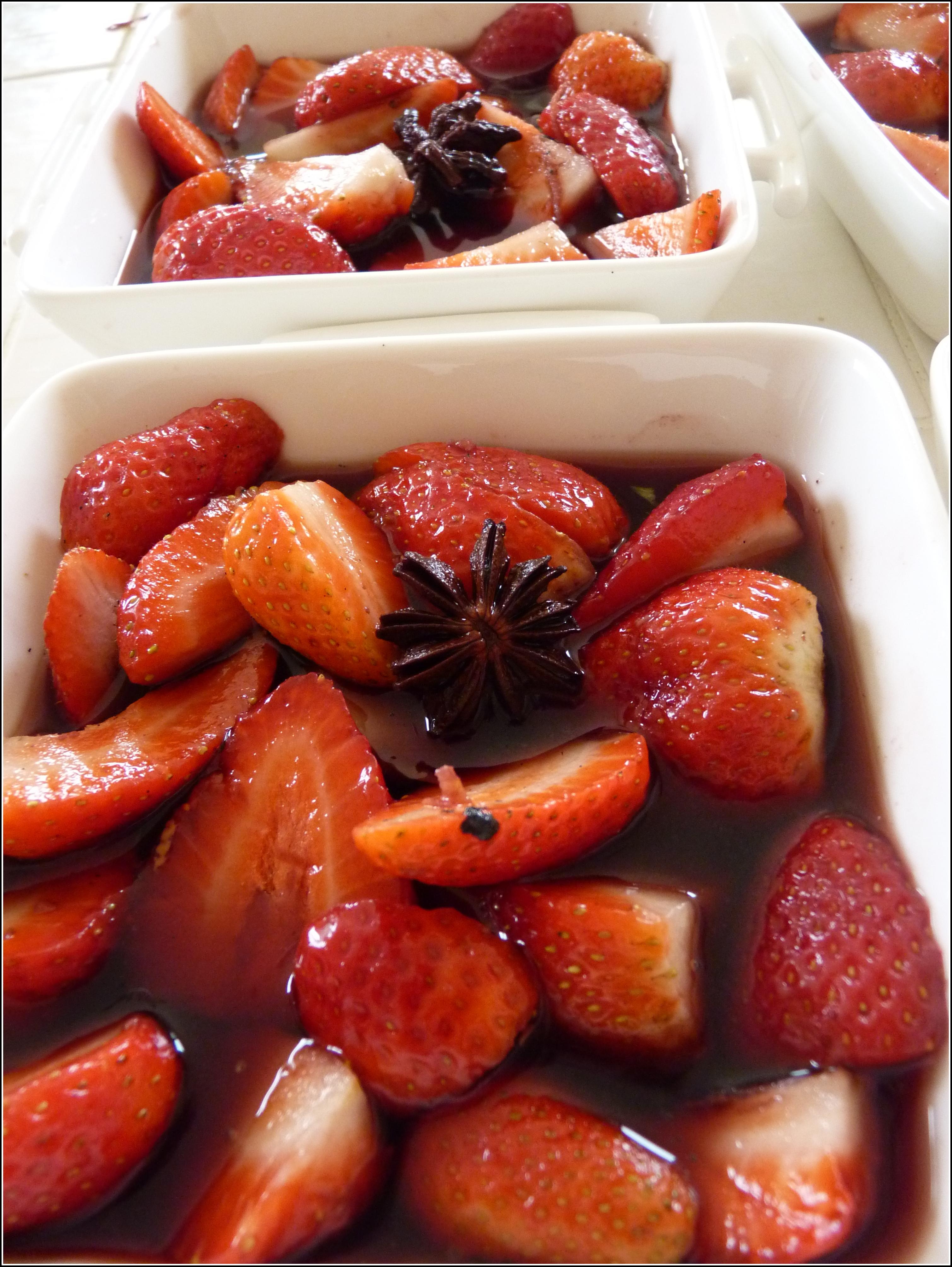 fraises au vin rouge et pices une cuiller e pour papa. Black Bedroom Furniture Sets. Home Design Ideas