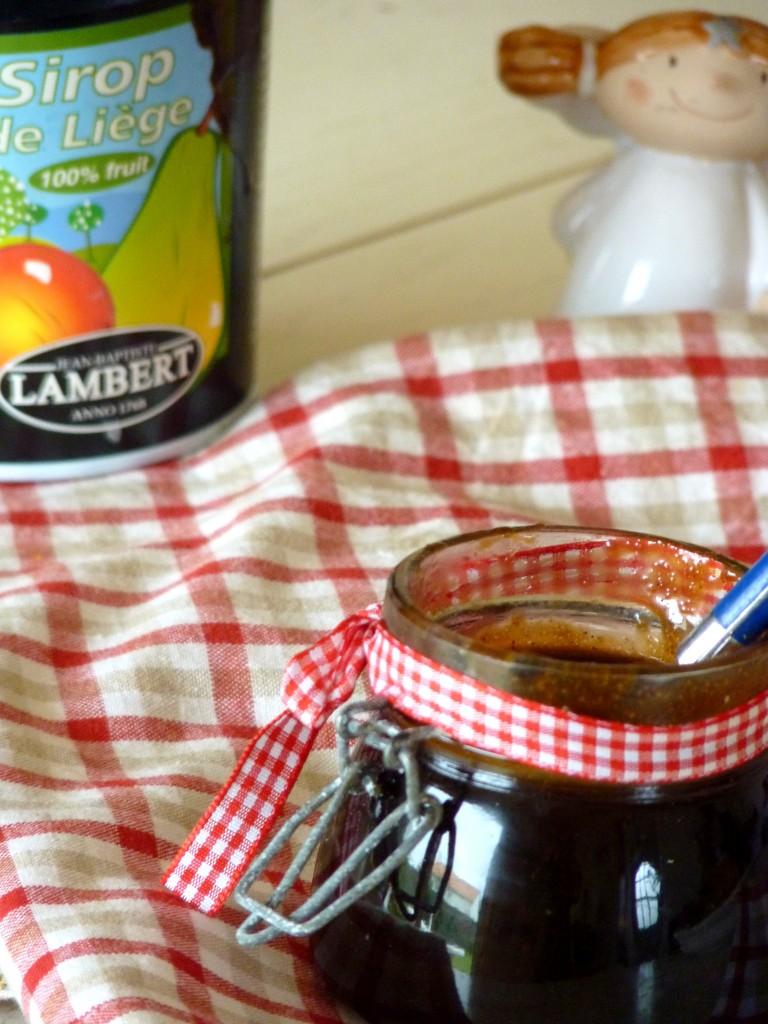 sauce sirip d'érable pour crêpes