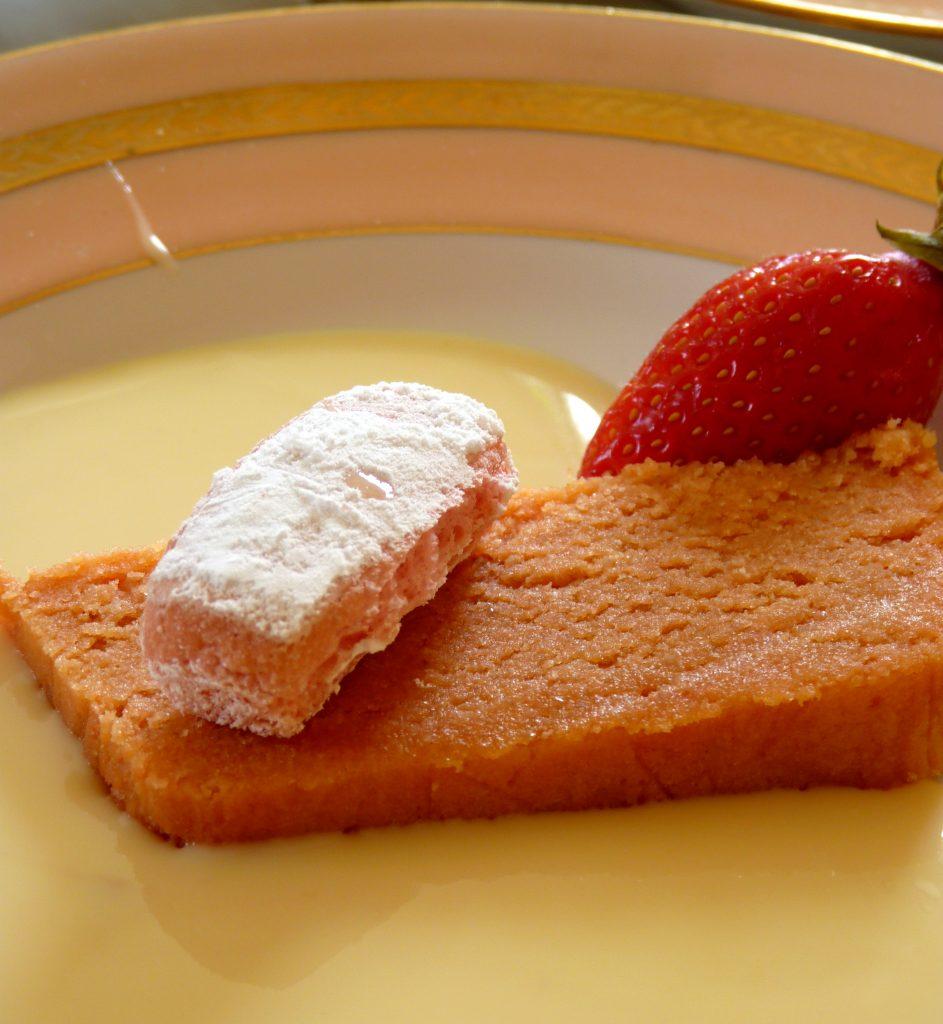 Gâteau aux biscuits roses de Reims