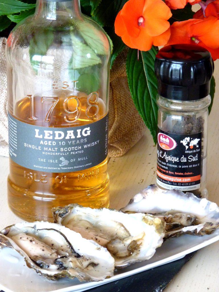 Huîtres au whisky tourbé et poivre long d'Afrique