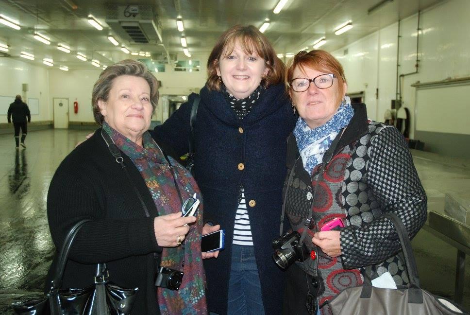 De gauche à droite : Mamina, Nathalie et moi-même.