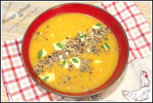 Soupe de butternut au lait de coco et aux noix